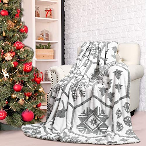 Comeet Soft Faux Sherpa Fleece Christmas Blanket for Kids Holiday, Warm Plush Throw Blanket for College Dorm Bedroom Sofa Couch Bed by Fireplace Gifts for Girls Boys Carpet Home Decor 50x60 in White