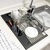 Koroda Estante enrollable para secar platos sobre el fregadero: SUS304 escurridor de platos de acero inoxidable con soporte para utensilios para fregadero de cocina (44,2 x 27,9 cm), color negro