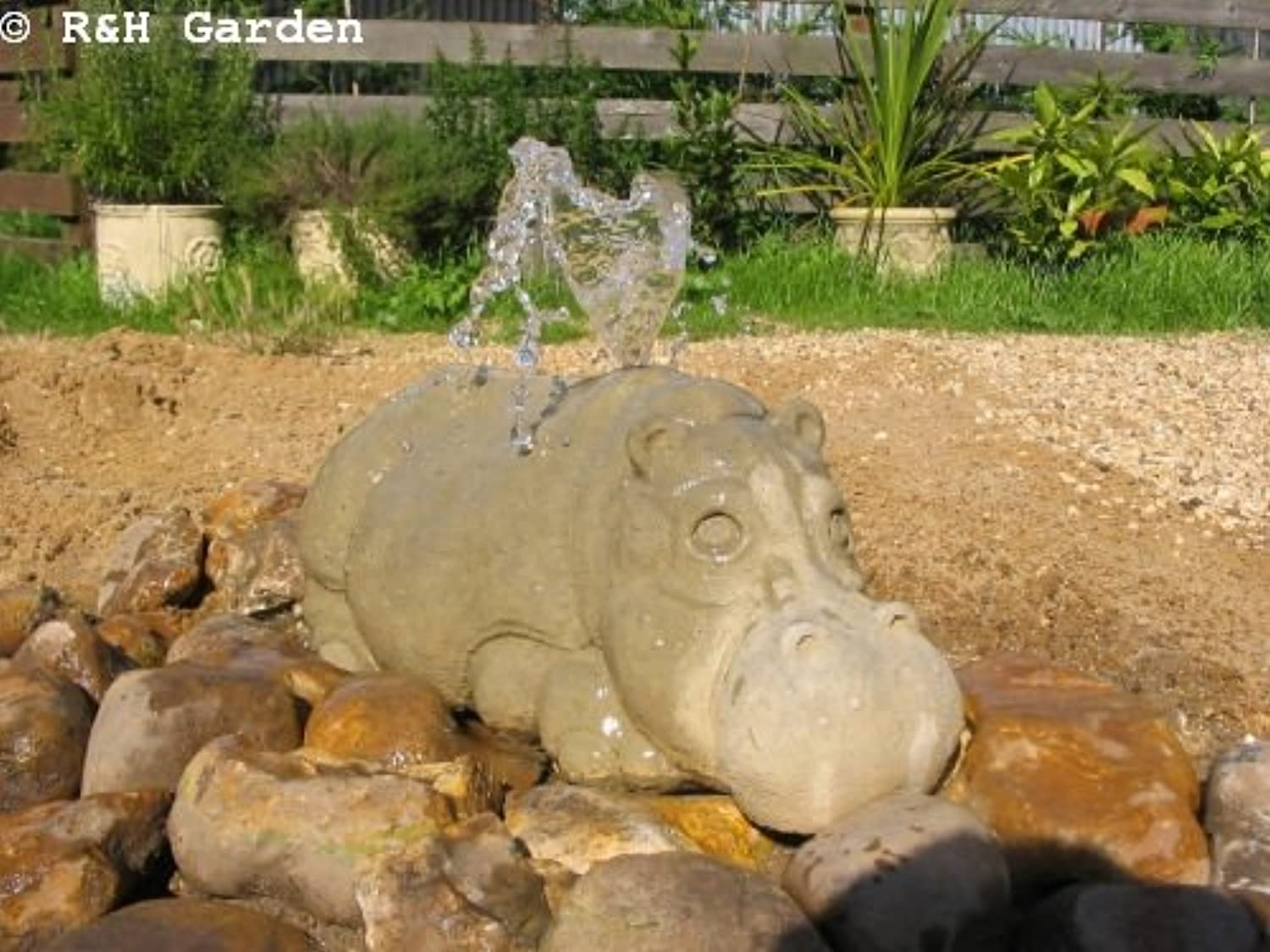 R&H Garden HIPPO WATER FEATURE  FREE P&P