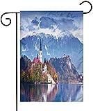 Shinanla Foto de paisaje de bandera de jardín de poliéster de Bled en Eslovenia con montañas nevadas del lago y un castillo Paisaje pastoral Vacaciones al aire libre de una cara Banderas de patio Mult