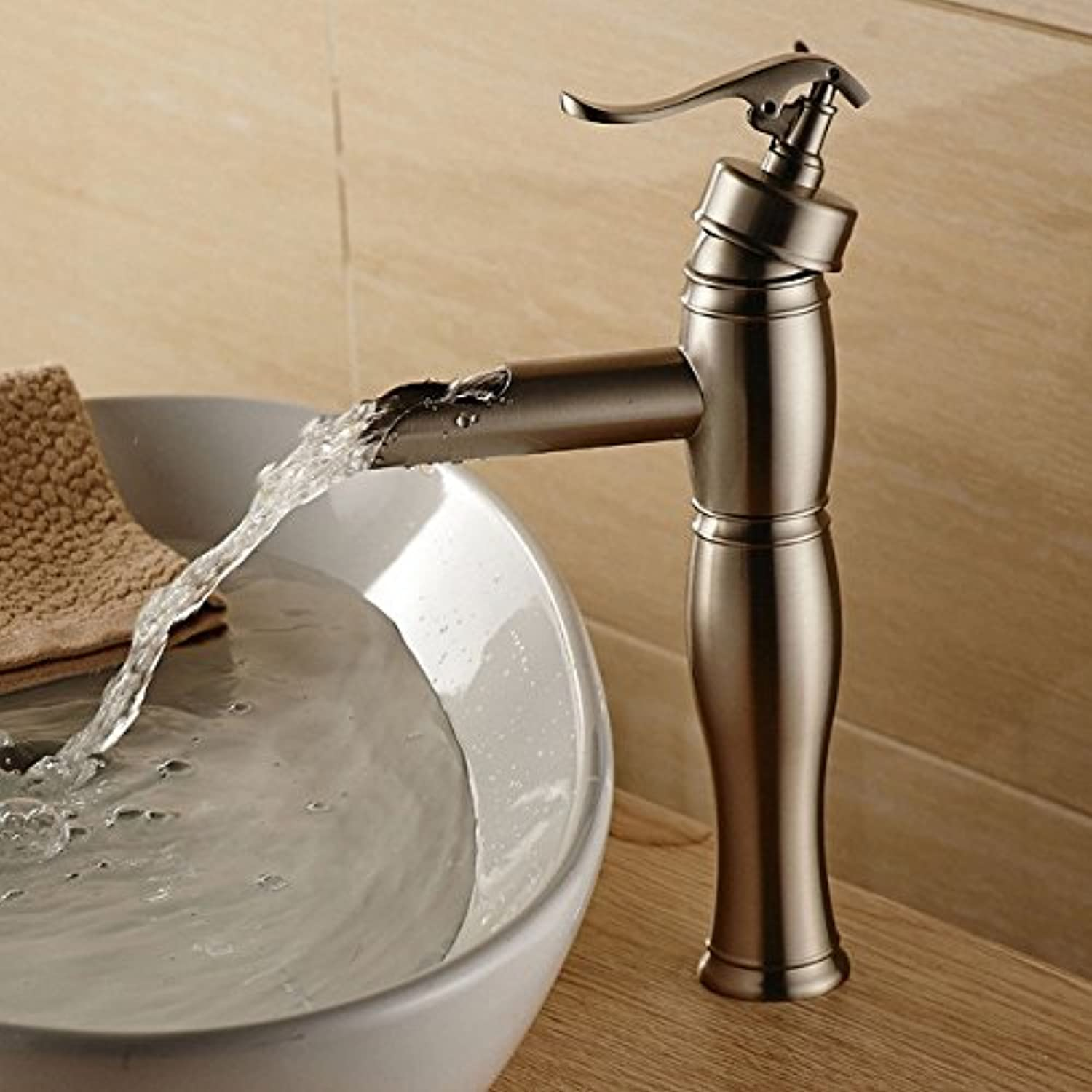 Hlluya Professional Sink Mixer Tap Kitchen Faucet The sink faucet basin wash basin full copper single hole hot and cold brushed nickel waterfall faucet Mixer Taps