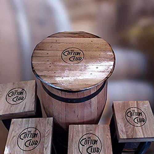 Gerecycled massief eikenhouten whiskyvat Pub-tafel en vier krukken met een persoonlijk logo