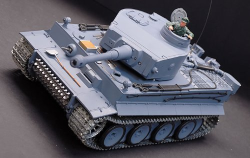 Heng Long New Metal Tracks Edition 1/16 German Tiger I Airsoft RC Battle Tank Special Metal Tracks Edition w/ Sound & Smoking Effect