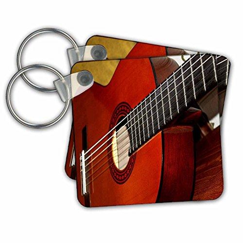 3dRose afbeelding van Closeup van een klassieke gitaar - sleutelhangers, 2,25-inch, set van 2 sleutelhangers, 6 cm, varianten