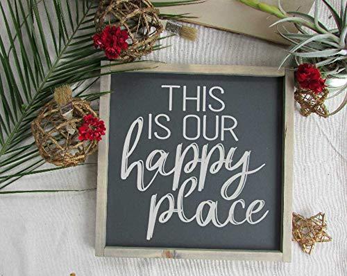 CELYCASY Onze gelukkige plaats teken | Dit is onze gelukkige plek | Familie kamer ideeën | Hygge huis | Open haard mantel decoratie | Rustieke open haard decor idee