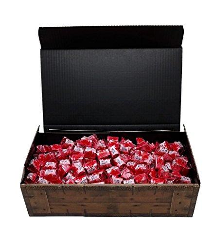 Ferrero Mon Cherie Geschenk Schatztruhe mit 120 Pralinen - die kleine Kostbarkeit für Ihre Liebsten - perfekt zum verschenken oder auch als Dekoration.