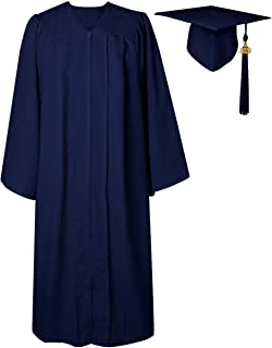 graduation gown fit