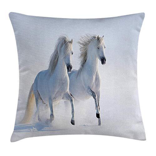 Paarden gooien kussen kussensloop, Galloping Zeldzame Gevlekte Paarden op Sneeuwveld Dominant Genes Albino Verschillende Dieren Print, Decoratieve Vierkante Accent Kussensloop, 18 X 18 inch, Wit