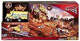 Disney Pixar Cars Coffret Arène Collision Démolition pour course de voitures avec véhicules Miss Friter & Flash McQueen couvert de boue, jouet pour enfant, DXY95