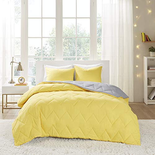 Intelligent Design Trixie All Season Reversible Down Alternative Comforter Mini Set, Twin/Twin XL, Yellow/Grey