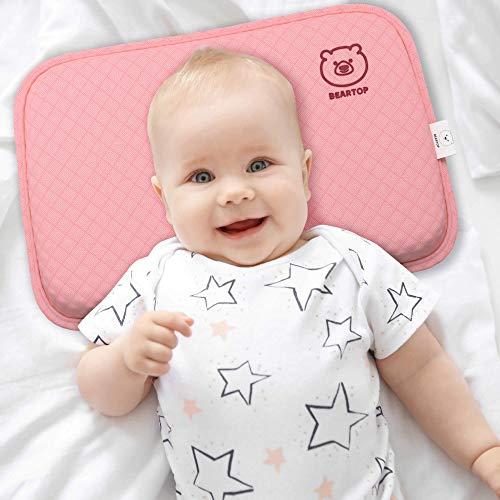 BEARPROTECT Baby Kissen gegen Plattkopf von BEARTOP | orthopädisches Lagerungskopfkissen | Memory Foam | Baby Geschenk | 2 Bezügen | Kinderwagen | Zufriedenheitsgarantie (3 Jahre)* (rosa, 0-36 Monate)