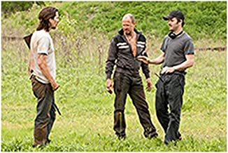 Out of the Furnace 8Inch x 10Inch behind the scenes photo of Christian Bale & Woody Harrelson with director Scott Cooper in field ed