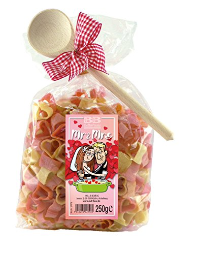 Pasta Präsent Mr. & Mrs. für Paare mit bunten Herznudeln und Kochlöffel, (250 g), handgefertigt in deutscher Manufaktur