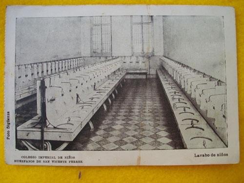 Antigua Postal - Old Postcard : Colegio Imperial de Niños Huérfanos de San Vicente Ferrer - Lavabo de Niños