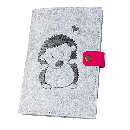 U-Hefthülle 'Igel' aus Filz, hellgrau/pink (Farbe wählbar) | Bestickte Hülle für Uheft mit Druckknopf, farbigen Fächern und Lesezeichen