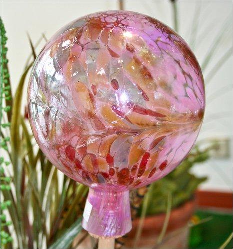 Gartenkugel aus Glas, Rose