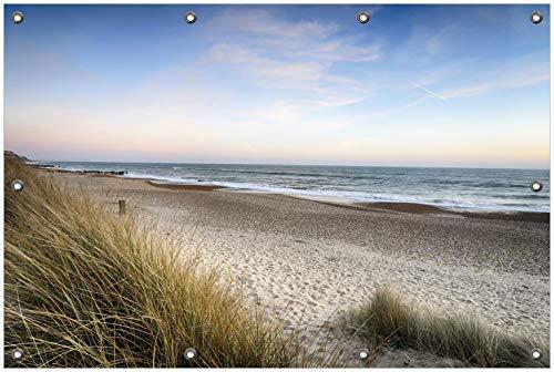 Wallario Garten-Poster Outdoor-Poster, Strandspaziergang im Urlaub an der Ostsee in Premiumqualität, für den Außeneinsatz geeignet