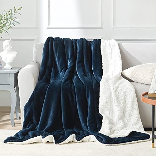 EHEYCIGA Sherpa Decke wohndecken kuscheldecken 220 x 240cm Navy Marine Blau - extra weiche und warme Decke Sofa, als Sofadecke, Couchdecke oder wohndecke, XL Flauschige Kuschel Decke