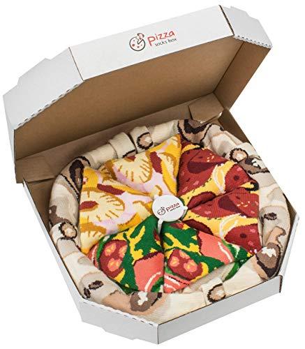 Les chaussettes dans une boîte à pizza