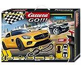 Carrera GO!!! Highway Action Rennstrecken-Set | 5,4m elektrische Rennbahn mit Chevrolet Camero Sheriff & Mercedes-AMG GT Coupé| ink. 2 Handregler & Streckenteile |für Kinder ab 6 Jahren & Erwachsene