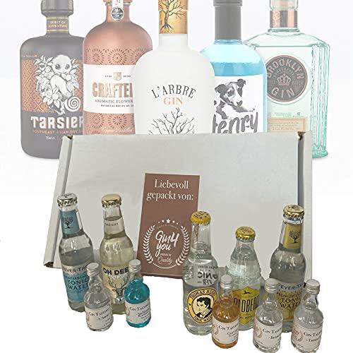 """Gin Tonic Geschenkset\""""Freitag\""""   5 premium Gins mit 5 passenden Tonics   Handabgefülltes Miniset in einer Box für private Tasting Runden   Geschenk Set für Männer und Frauen"""