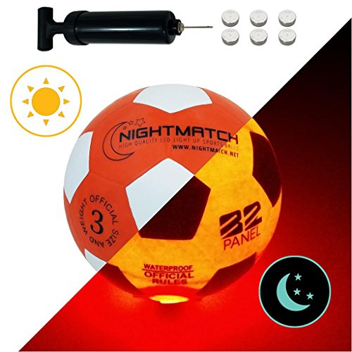 NIGHTMATCH Balón de Fútbol Ilumina Incl. Bomba de balón - LED Interior se Enciende Cuando se patea – Brilla en la Oscuridad - Tamaño 3 - Tamaño y Peso Oficial Naranja/Blanco