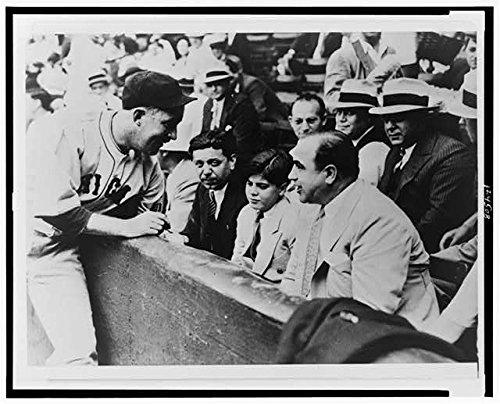 HistoricalFindings Photo: Chicago Cubs Player,Gabby Hartnett,Sonny Capone,Al Capone,1931,Baseball
