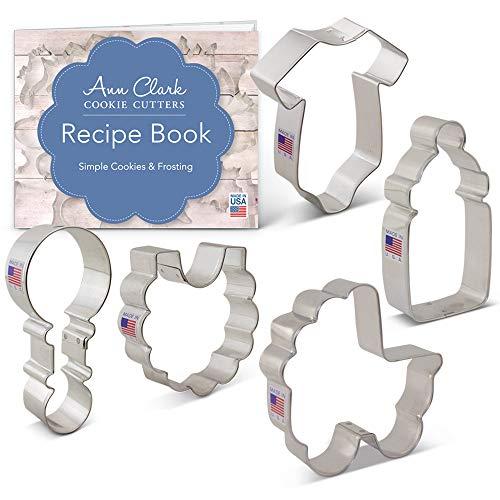 Cortador de galletas Ann Clark de 5 piezas, cortador de galletas para baby shower con libro de recetas, onesie, babero, sonajero, botella y carro de bebé