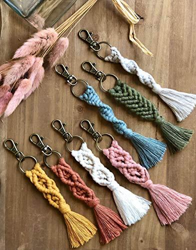 Schlüsselanhänger aus Makramee - Jungen - Mädchen - Makramee - Boho - geflochten - geknüpt -dezent - natürlich - Geschenk - Baby - Geburt - handgefertigt - personalisierbar