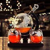 KKTECT Set Decantador De Whisky Globo Grabado 1000ml con 4 vasos de vidrio y soporte de madera clásico para Vino / Brandy / Bourbon / Scotch-Decoración del hogar