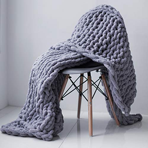 KRASKA - Chunky Knit Blanket - 50x60 inch Handmade from Polyester Chenille Chunky Yarn - Soft Throw Blanket for Couch Home Decor, Bed - Fluffy, Bulky, Cozy Knitted with Thick Braided Knot Style - Gray