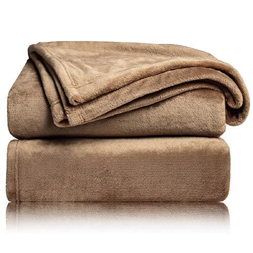 BEDSURE Kuscheldecke Camel kleine Decke Sofa, weiche& warme Fleecedecke als Sofadecke/Couchdecke, kuschel Wohndecken Kuscheldecken, 130x150 cm extra flaushig und plüsch Sofaüberwurf Decke