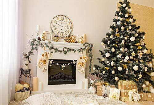 YongFoto 5x3ft Fotografie Achtergrond Nieuwjaar Kerstboom Ballen Geschenken Ornamenten Open haard Kousen Klok Wit Gordijn Foto Backdrops Holiday Party Huisdier Familie Fotoshoot Achtergrond Studio Props