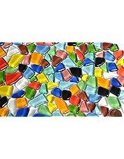 300 g zachte glazen mozaïekstenen onregelmatig (polygonaal), kleurrijk, niet lichtdoorlatend, ca. 170 stuks.