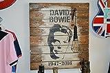 Cuadro en madera de palets David Bowie y lampara