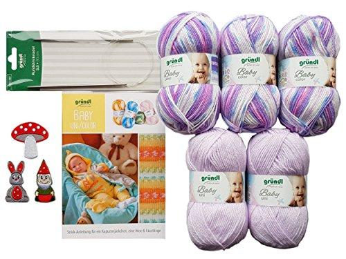 5X 50 Gramm Gründl Baby Uni/Color Wolle SB Pack inkl. Strick-Anleitung für Ein Kapuzenjäckchen, Eine Hose & Fäustlinge, Rundstricknadel und 1 Bügelflickmotiv (07 Lila Mix)