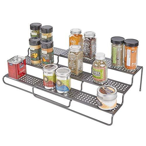 mDesign Estantería para especias para muebles de cocina – Estante especiero extensible para mantener el orden en la cocina – Mueble para especias de metal con 3 niveles – gris