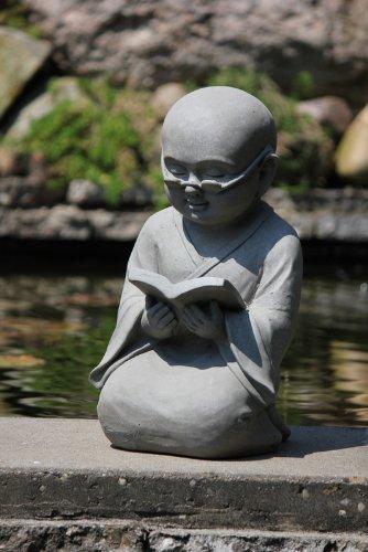 Figur Shaolin Mönch lesend mit Buch – für Haus und Garten – Höhe 42 cm – grau - 3