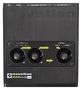 3porte USB 2.0consentono di collegare la tastiera controller integrato, ni Machine, Novation Launchpad o qualsiasi altri dispositivi USB al computer allo stesso tempo Include messa a fuoco Rite interfaccia audio per sollevare la qualità del suono c...