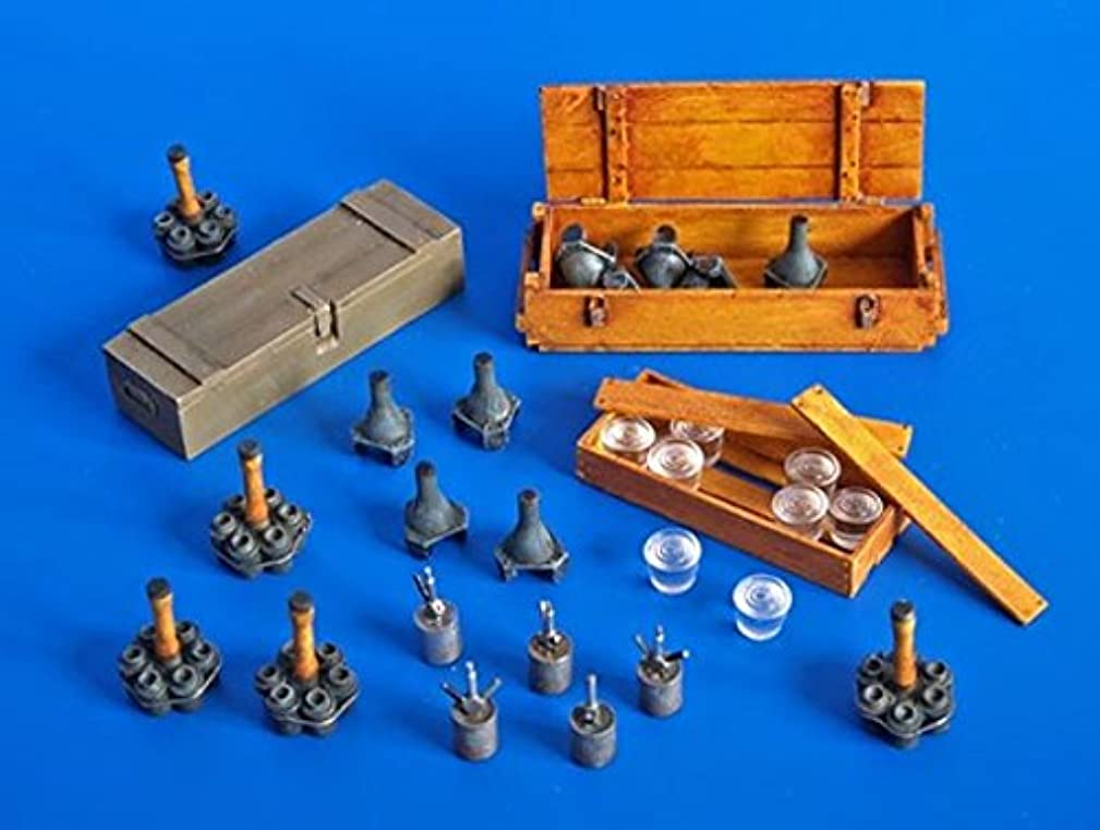Plus Model 1:35 German Grenades And Mines Resin Diorama Accessory #274