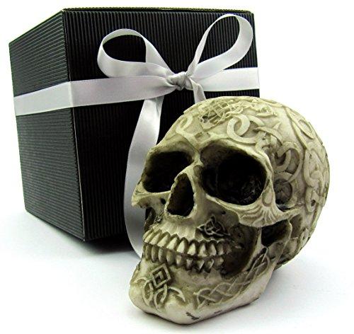 compiled by mareu-design Totenkopf Toten-Schädel Skull mit keltischen Symbolen in schwarzer Geschenkbox Geschenkidee Gothic Mystik Fantasy, Party-Geschenk (beige-braun Gravur 1)