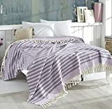 Belle Living Waffle Tagesdecke Überwurf Decke - Wohndecke hochwertig - perfekt für Bett & Sofa, 100prozent Baumwolle - handgefertigte Fransen, 220x250cm (Violett/Lila)