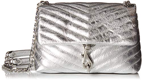 Cowhide Magnetic at front Quilted leather , Silver-tone clasp detail , Chain strap Length: 8.75in / 22cm Zip interior pockets