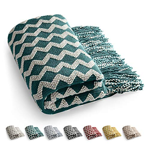 Knitted throw blanket for sofa Tassels Throw Blanket Sofa Throw Lightweight Warm Couch blanket Soft Throw Blanket Bed Throw Blanket for Watching TV or Nap on Chair Office -140 x 220 cm (Green)