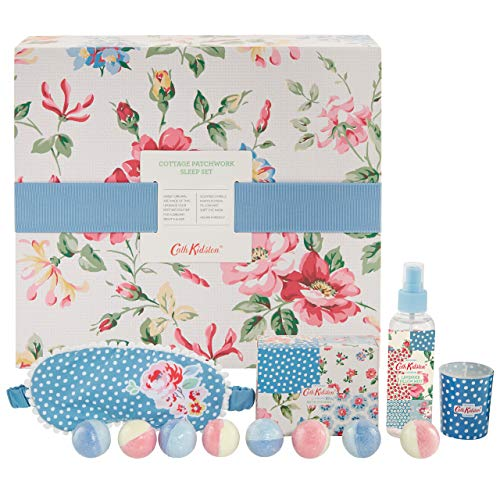 Cath Kidston Beauty Cottage Patchwork Slaap Set, Oog Masker, 100 ml Kussen Mist, 8 Bad Fizzers 30g, Kaars 60g