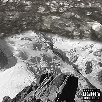 Mont Blanc (feat. Holydesh)