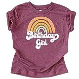 レトロなレインボーのバースデーガール用カラフルシャツ。赤ちゃんと幼児の女の子の誕生日衣装。 US サイズ: Youth - Small カラー: レッド