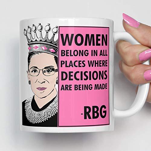 H34565ard Notorische RBG-vrouwen horen op alle plaatsen waar de beslissing worden genomen Rosa koffiemok Ruth Bader Ginsburg Cup