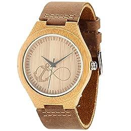 【SUPER LEGGERO】- Il peso per l'orologio da uomo in bambù è di 0,9 once e ti fa sentire che non c'è niente al polso. Non è affatto ingombrante. 【MATERIALE】- L'orologio in legno di bambù è realizzato con cinturino in pelle di vacchetta 100% pieno fiore...