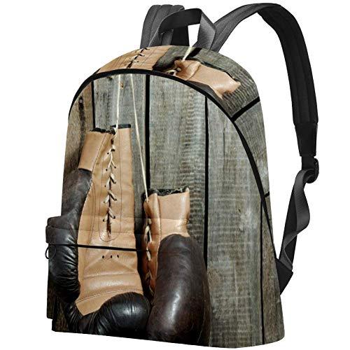Braune alte Boxhandschuhe über hölzerner Wand Bag Teens Student Bookbag Leichte Umhängetaschen Reiserucksack Tägliche Rucksäcke